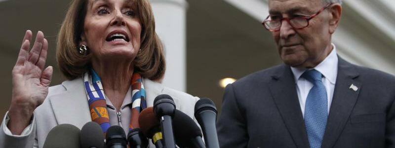Nancy Pelosi und Chuck Schumer - Foto: Jacquelyn Martin/AP