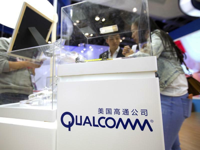 Qualcomm - Foto: Der Chipkonzern Qualcomm hat das vor Gericht erstrittene Verkaufsverbot für mehrere ältere iPhone-Modelle in Deutschland in Kraft gesetzt. Foto:Mark Schiefelbein/AP