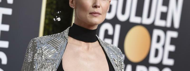 Golden Globes - Rosamund Pike - Foto: Jordan Strauss/Invision/AP