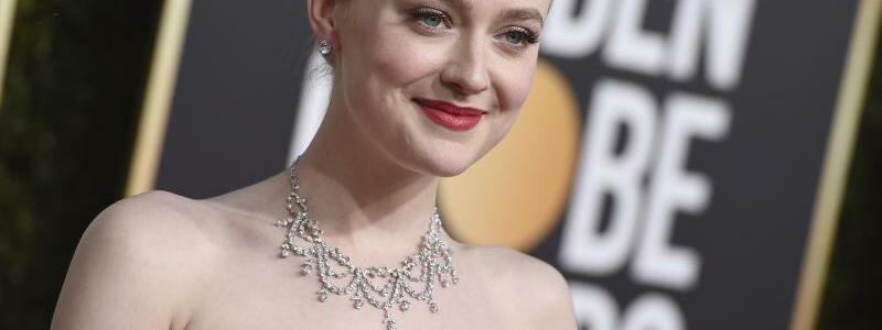 Golden Globes - Dakota Fanning - Foto: Jordan Strauss/Invision/AP