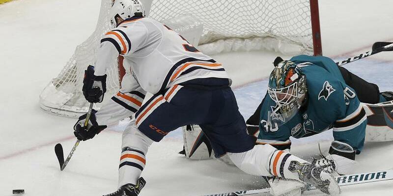 San Jose Sharks - Edmonton Oilers - Foto: Jeff Chiu/AP