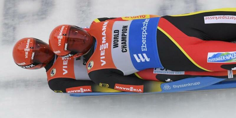 Doppelsitzer in Aktion - Foto: Hans Pennink/AP