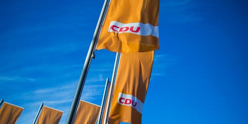 CDU-Flaggen - Foto: Rolf Vennenbernd/Archiv