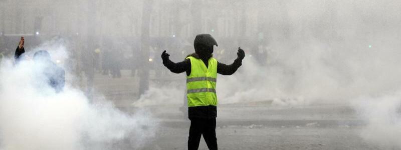 Rauchschwaden - Foto: Kamil Zihnioglu/AP