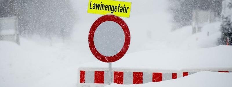 Warnschild - Foto: Erwin Scheriau/KEYSTONE/APA