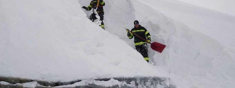 Schneemassen in Oberösterreich - Foto: Ff-Kremsmünster/FF-KREMSMÜNSTER/ APA