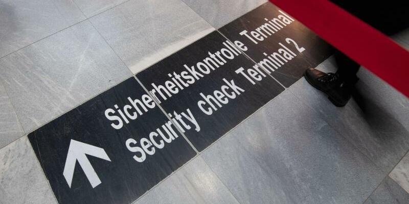 Sicherheitskontrolle - Foto: Marijan Murat
