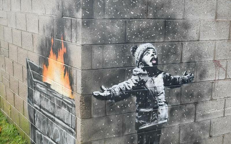 Banksy - Foto: Banksys Garagenwerk wird erst einmal an Ort und Stelle verbleiben. Foto:Ben Birchall/PA