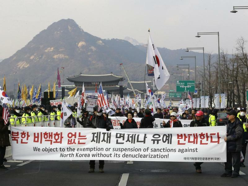 Demo in Seoul - Foto: Ahn Young-Joon/AP