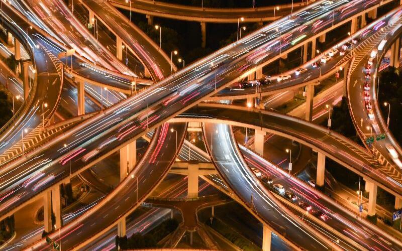 Autobahnkreuz in Shanhgai - Foto: Li He/Xinhua/Illustration
