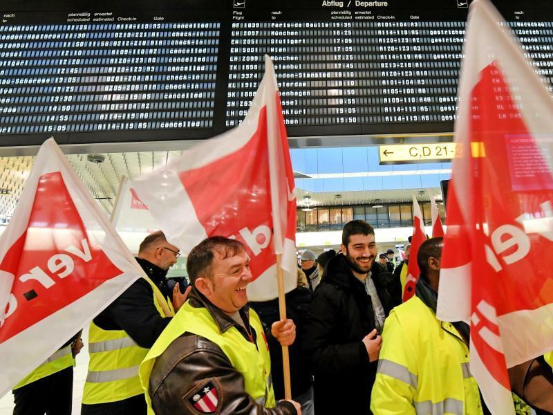 Warnstreik des Sicherheitspersonals - Foto: Holger Hollemann