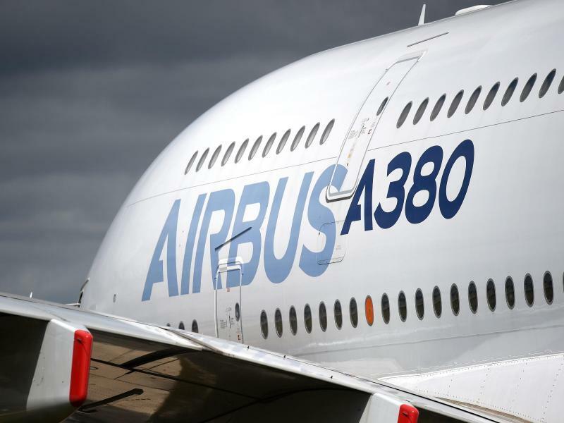 Airbus A380 - Foto: Airbus fertigt in Großbritannien die Tragflächen für fast alle seine Passagier- und Frachtflugzeuge. Foto:Andrew Matthews/PA Wire/dpa