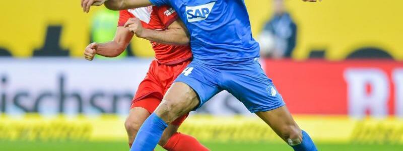 Duell um den Ball - Foto: Uwe Anspach