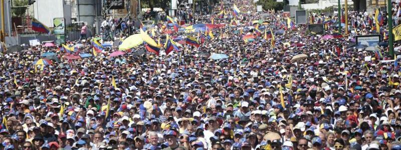 Massenprotest - Foto: Rafael Hernandez/sincepto