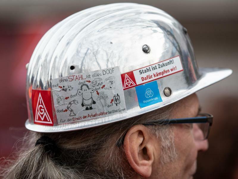 Warnstreik in der Stahlindustrie - Foto: Bernd Thissen