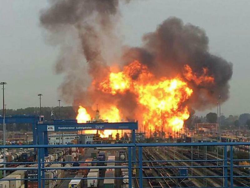 Explosion bei BASF - Foto: Einsatzreport Südhessen