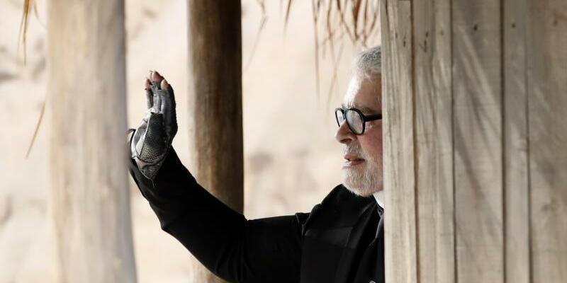 Karl Lagerfeld - Foto: Christophe Ena/AP