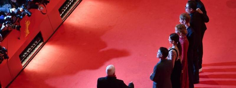 69. Berlinale - Jury - Foto: Im Fokus der Fotografen:Die Jury der diesjährigen Berlinale. Foto:Bernd von Jutrczenka