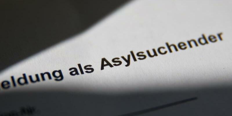 Meldebescheinigung für Asylsuchende - Foto: Daniel Karmann
