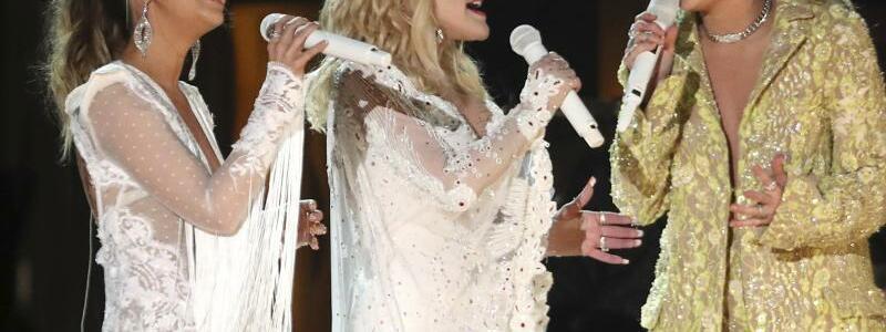 Grammys - Morris, Parton, Cyrus - Foto: Matt Sayles/Invision/AP