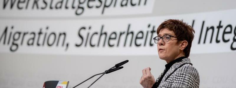 Annegret Kramp-Karrenbauer - Foto: Kay Nietfeld