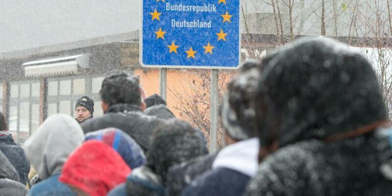 Flüchtlinge an der deutschen Grenze - Foto: Armin Weigel