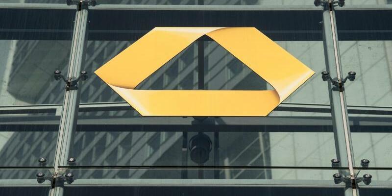 Commerzbank Jahreszahlen - Foto: Boris Roessler