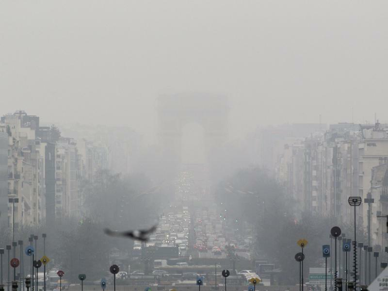 Dicke Luft - Foto: Yoan Valat/EPA