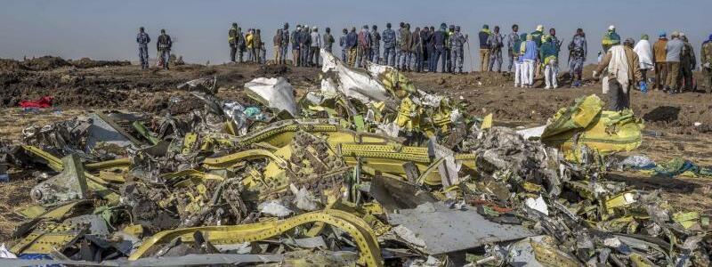 Flugzeug abgestürzt - Foto: Mulugeta Ayene/AP