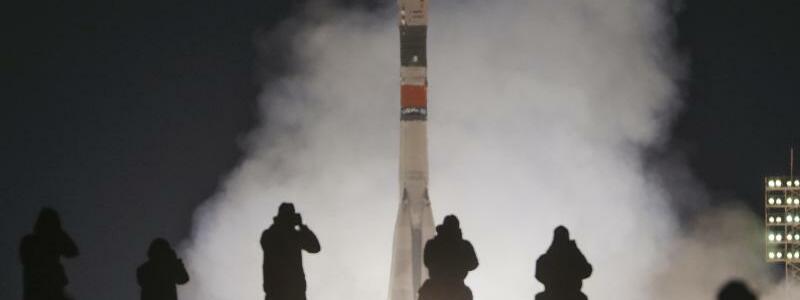 Sojus-Rakete zur ISS gestartet - Foto: Dmitri Lovetsky/AP