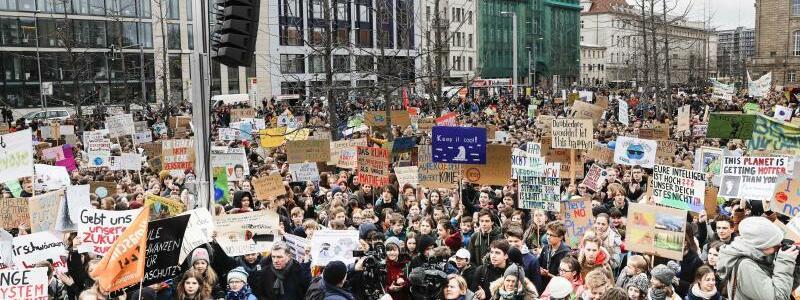 «Fridays for Future»-Demo in Berlin - Foto: Carsten Koall