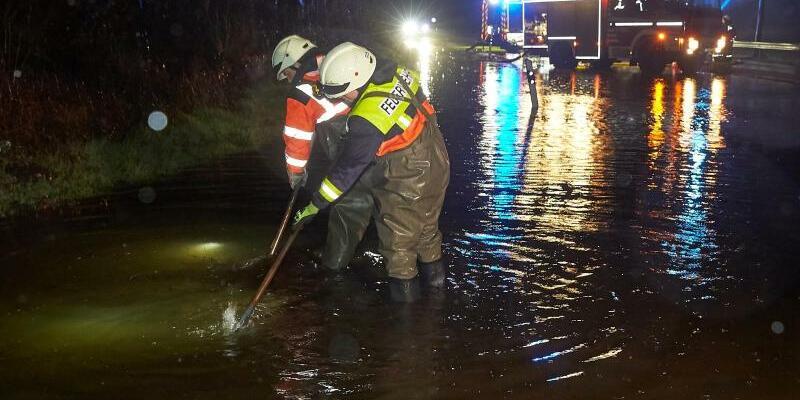 Überflutete Straße - Foto: Thomas Frey