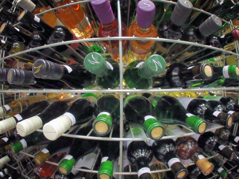 Weinflaschen - Foto: Fredrik von Erichsen