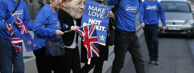 Demonstranten - Foto: Frank Augstein/AP