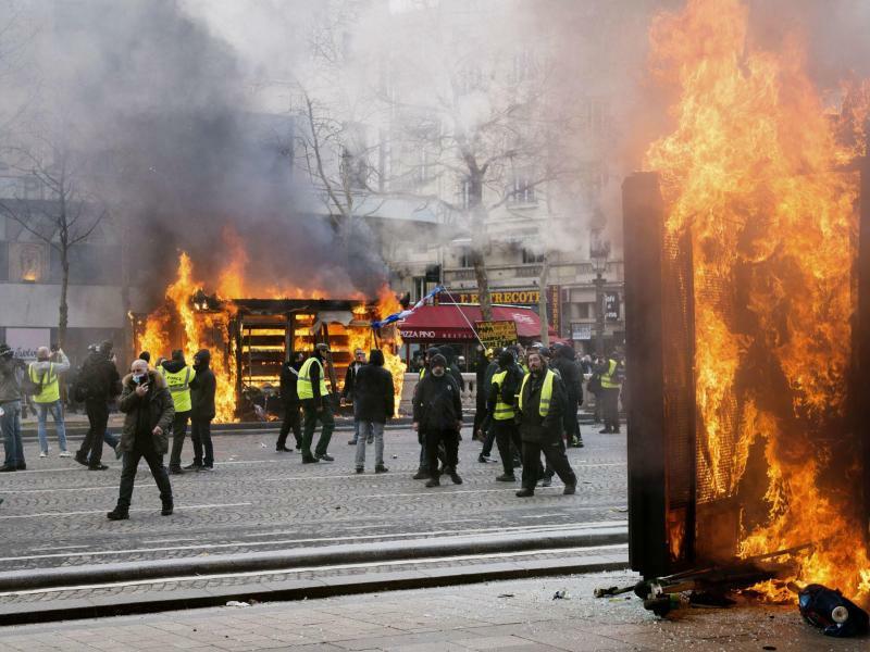 «Gelbwesten»-Proteste - Foto: Kyodo