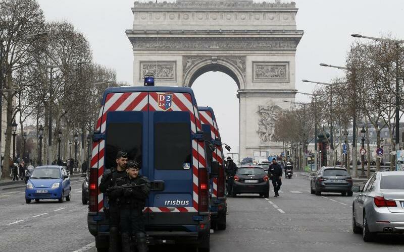 «Gelbwesten»-Proteste in Paris - Foto: Michel Euler/AP