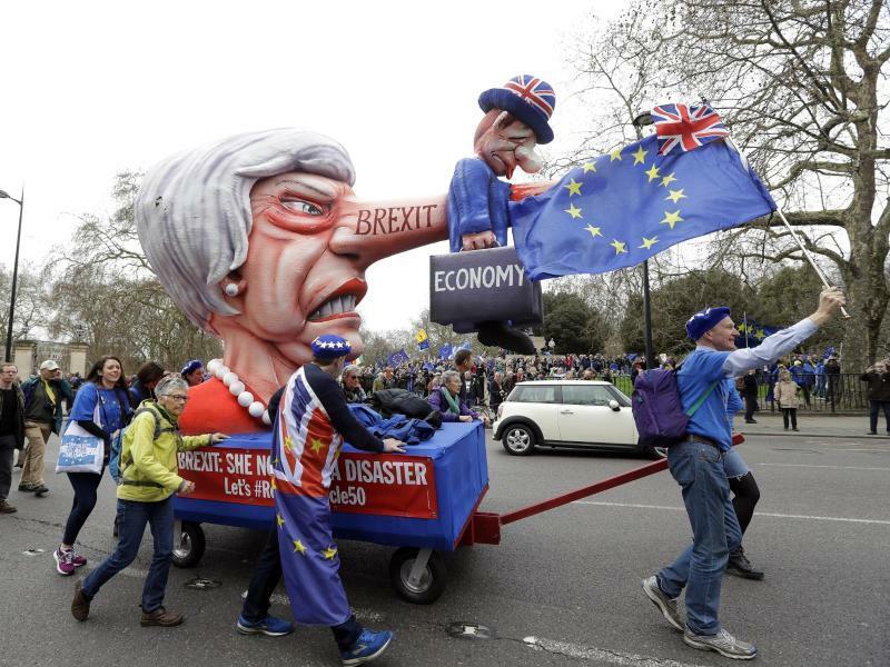 Demo in London - Foto: Kirsty Wigglesworth/AP