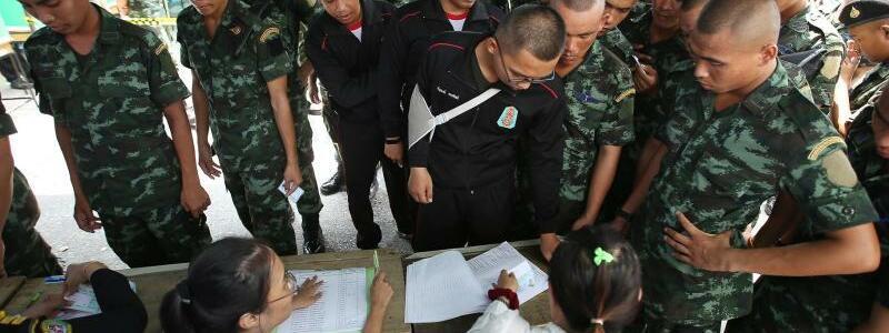 Soldaten - Foto: AP