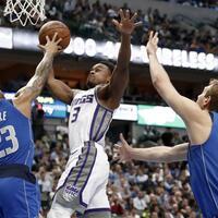 Dallas Mavericks - Sacramento Kings - Foto: Tony Gutierrez/AP