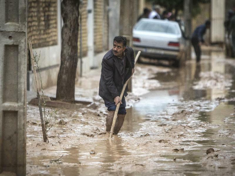 Hochwasser - Foto: Ahmad Halabisaz/XinHua