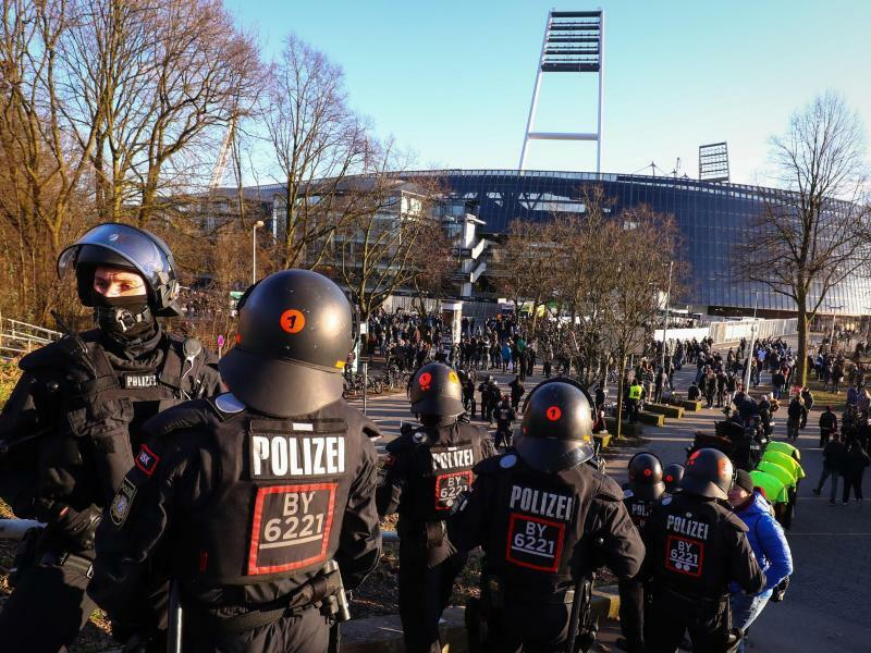 Polizeieinsatz - Foto: Christian Charisius/dpa