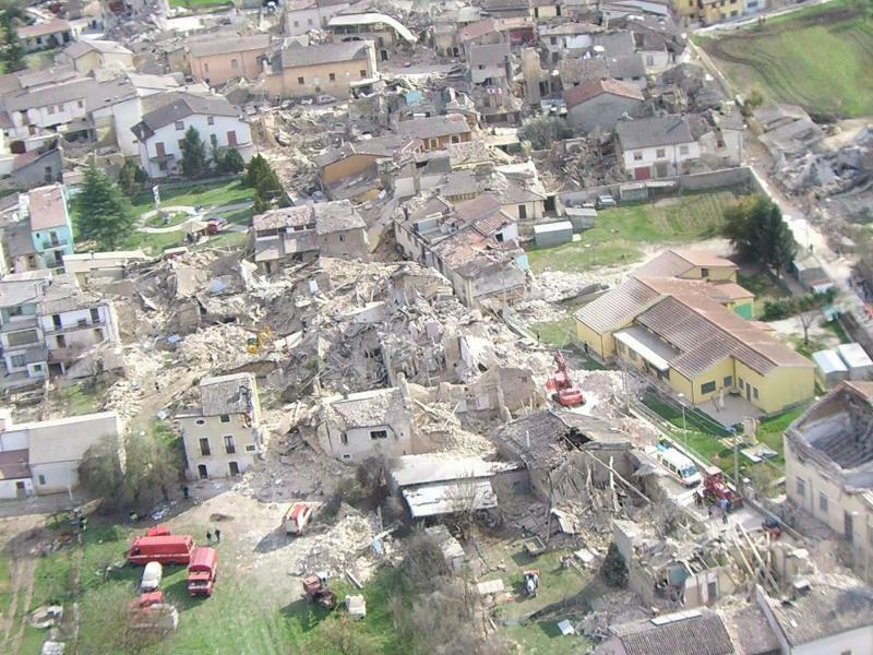 Erdbeben von L'Aquila - Foto: Ciro Fusco/ANSA