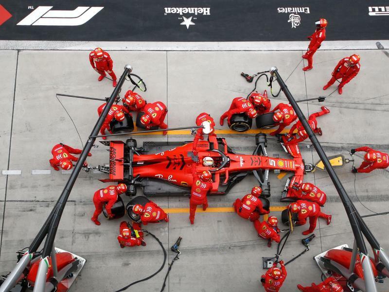 Vettel aus der Vogelperspektive - Foto: Hu Chengwei/AP/dpa