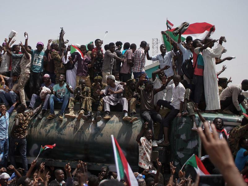 Sitzblockade im Sudan - Foto: Ala Kheir