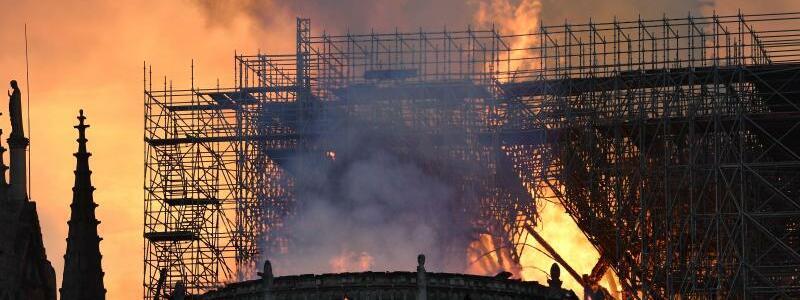 Notre-Dame brennt - Foto: Julien Mattia/Le Pictorium Agency via ZUMA