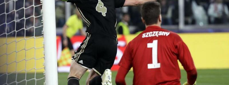 Führung - Foto: Amsterdams Matthijs de Ligt (l) hat das Tor zur 2:1-Führung gegen Juventus erzielt. Foto:Luca Bruno/AP/dpa