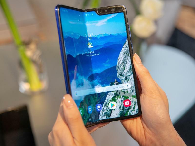 Das neue Samsung Galaxy Fold Smartphone - Foto: Ein Serienmodell des Samsung Galaxy Fold Tablet-Smartphone soll am 3. Mai 2019 auf den europäischen Markt kommen. Foto:Simon Nagel