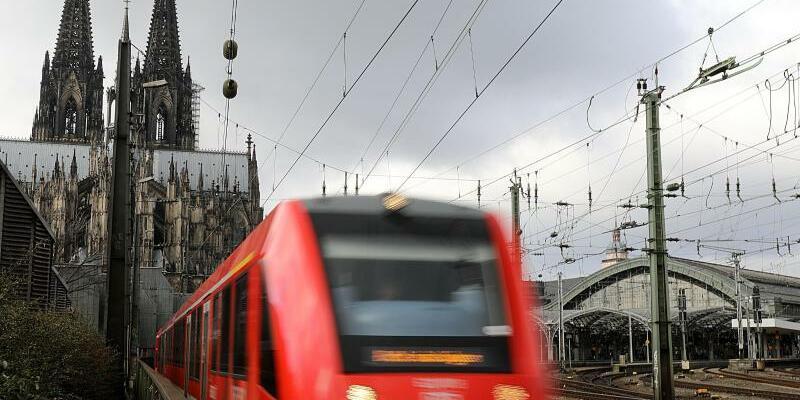 Regionalzug - Foto: Oliver Berg/Illustration