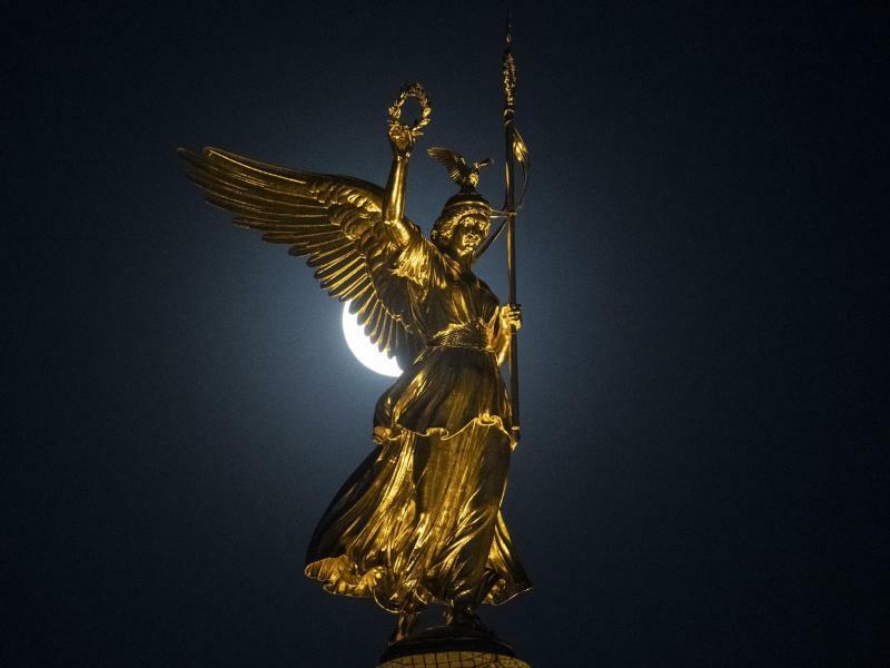 Wacht in der Nacht - Foto: Paul Zinken