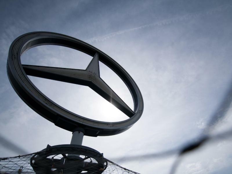 Mercedes-Stern - Foto: Sebastian Gollnow/Illustration